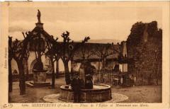 Mirefleurs Place de l'Eglise et Monument aux mOrts - Mirefleurs