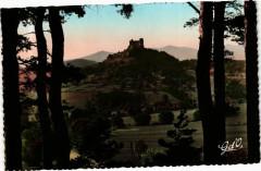 L'Auvergne - Chateau feodal de Murol - A l'horizon Chaine des Mont 63 Murol