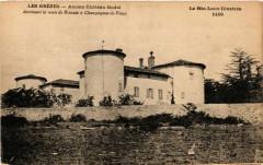 Les Grezes - Ancien Chateau feodal dominant la route de Brioude - Grèzes