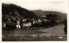 Saint-Privat-d'Allier - Vue Panoramique avec Rocher Grand - Saint-Privat-d'Allier