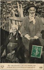 Bellenaves - Femme agée de 106 ans et son fils agé de 80 ans - Bellenaves