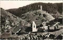 La Chapelle et Le Chateau Feodal d'Alleuze France - Alleuze