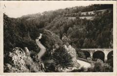 Menet Le tournant dangereux et le Pont France - Menet