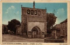 Saint-Etienne-de-Chomeil - L'Eglise et la Place - Saint-Étienne-de-Chomeil