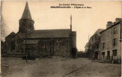 Anglards-de-Salers - L'Eglise et la Place - Anglards-de-Salers