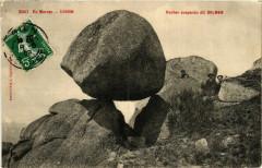 Uchon Rocher suspendu dit Dolmen France - Uchon