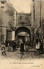 Arnay-le-Duc Porche du XVe siecle - Arnay-le-Duc