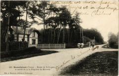 Roncheres - Route de Saint-Fargeau et entrée de la Propriete - Ronchères