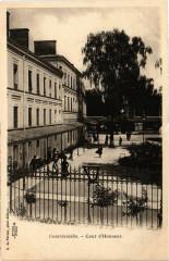 Contrexeville - Cour d'Honneur 88 Contrexéville