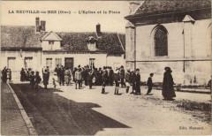 La Neuville-en-Hez - L Eglise et la Place - La Neuville-en-Hez