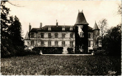 Saintines - Le Chateau - Vue sur la Pelouse - Saintines
