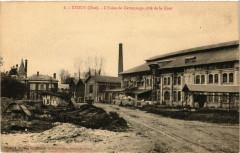 Etouy - L'Usine de Cartonnage cote de la Cour - Étouy