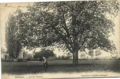 Busnes-Ancien Chateau - Busnes