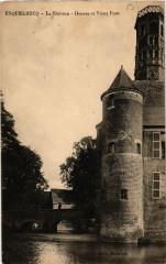 Esquelbecq - Le Chateau - Douves et Vieux Pont - Esquelbecq