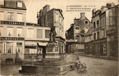 Conde-sur-Noireau - Statue de Dumont-d'Urville - Urville