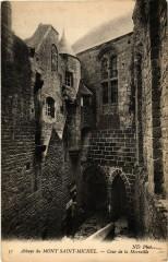 Le Mont Saint-Michel - Abbaye - Cour de la Merveille - Le Mont-Saint-Michel