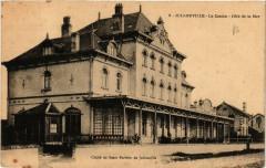 Jullouville - Le Casino - coté de la Mer - Jullouville