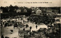 Saint-Lo - La Place des Alluvions - un jour de Marché - Saint-Lô