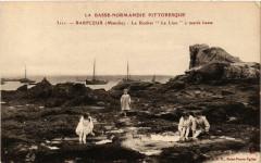 Barfleur - Le Rocher Le Lion a marée basse - Barfleur