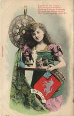 Femme avec des souvenirs de Saint-Lo - Saint-Lô