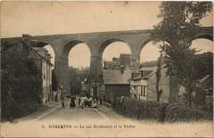 Barenton - La rue Doudement et le Viaduc - Barenton