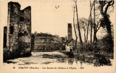 Gratot (Manche) -Les Douves du Cháteau et l'Eglise - Gratot