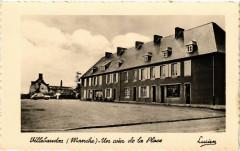 Villebaudon (Manche) - Un coin de la Place - Villebaudon