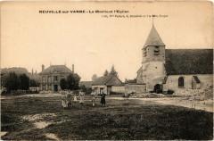 Neuville-sur-Vanne - Le Mairie et l'Eglise - Neuville-sur-Vanne