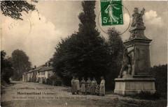 Montmeillant Monument erige a la Memoire du General - Montmeillant