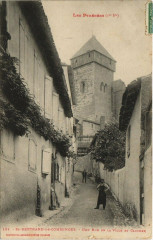 Saint-Bertrand-de-Comminges - Une Rue de la Ville et Clocher - Saint-Bertrand-de-Comminges