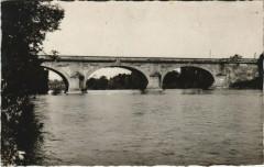 Carbonne - Le Pont de pierre sur la Garonne - Carbonne