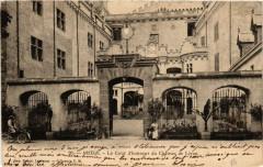Ariege La Cour d'honneur du Chateau de Léran - Léran