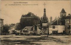 Le Lot Pittoresque Lacapelle Marival Place du Foirailet le Chateau - Lacapelle-Marival