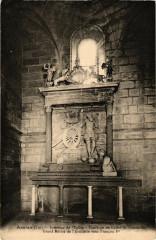 Assles - Interieur de l'Eglise - Tombeau de Galiot des 46 Lot