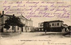 Lavit-de-Lomagne Place de l'Hotel-de-Ville - Lavit