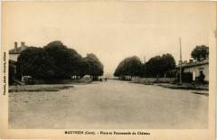 Mauvezin - Place et Promenade du Chateau - Mauvezin