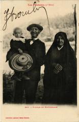 Les Pyrenées - Famille de Montagnarde - Mont