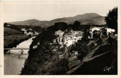 Cambo-les-Bains Vue générale-La Nive et les Pyrenées - Cambo-les-Bains