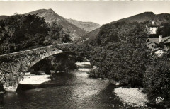 Saint-Etienne de Baigorry - Le vieux Pont (Pont Romain) - Saint-Étienne-de-Baïgorry