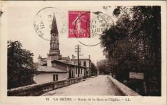 La Bréde-Route de la Gare et l'Eglise - La Brède