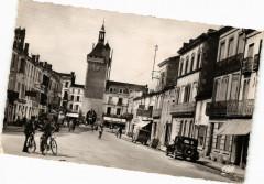 Villeneuve-sur-Lot-Cours Victor Hugo et Porte de Paris - Cours