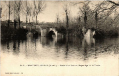 Montreuil-Bellay Restes d'un Pont du Moyen-Age sur le Thouet - Montreuil-Bellay