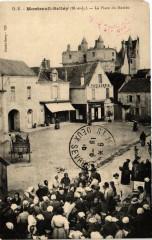 Montreuil-Bellay La Place du Marche - Montreuil-Bellay