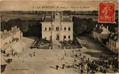 La Menitre - Place de la Mairie - La Ménitré