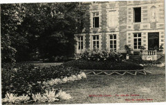 Menilles - Un coin de Chateau - Ménilles