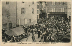 Saint-Amour - La Place des Quatre-Vents - la Foire - Saint-Amour