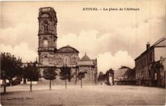 Etival - La Place de l'Abbaye - Étival