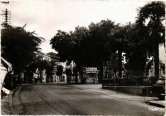 Gignac (Hérault) - L'Esplanade et Place de la Victoire - Gignac