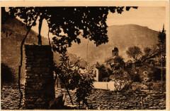 La Malene - Située au pied du Roc de la Barre - La Malène