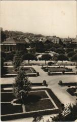 Brive Le jardin Public au fond la Poste France - Le Jardin